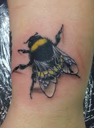 yellow and black 3d bee tattoo design tattoo pinterest