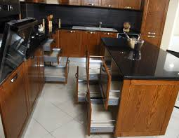 cuisine en bois frene cuisines bois frêne massif teinté casa plus tunisie