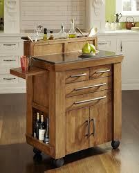 cuisine pour petit espace ilot de cuisine en bois et amovible parfait pour les petits