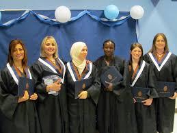 3 bureau des diplomes 27 étudiant e s de l université sainte reçoivent leurs