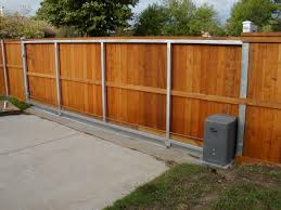 sliding back fence not automated maybe in 3 parts house