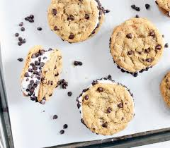 the homemade chipwich chocolate chip cookie ice cream sandwich