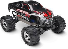 traxxas grave digger rc monster truck amazon com traxxas stampede 4x4 1 10 scale 4wd monster truck