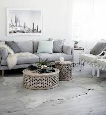 canapé exotique déco salon suggestion élégante et exotique salon gris et blanc
