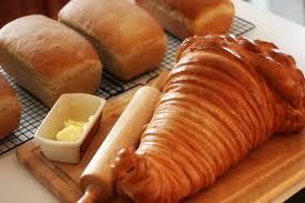 cornucopia centerpiece bread cornucopia centerpiece for thanksgiving the kneady homesteader