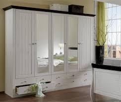 armoire de chambre à coucher chambre a coucher avec grande armoire waaqeffannaa org design d