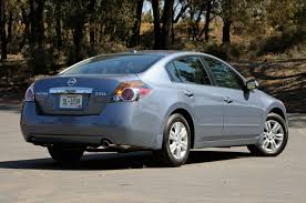 grey nissan altima coupe car photos 2010 nissan altima delightfully predictable