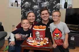 laura stockton bakes husband kyle kfc themed cake for his birthday