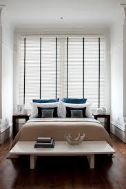 Schlafzimmer Komplett Abdunkeln Maßgefertigte Holzjalousie Mit Dunklem Leiterband Für Ihr