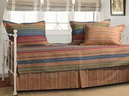 Design For Daybed Comforter Ideas Appealing Design For Daybed Comforter Ideas Bedroom Smooth Daybed