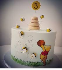 winnie the pooh cakes the 25 best winnie the pooh cake ideas on winnie the