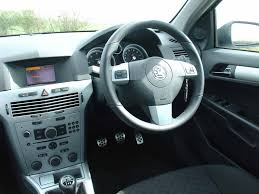 opel corsa 2007 interior vauxhall astra estate review 2004 2010 parkers