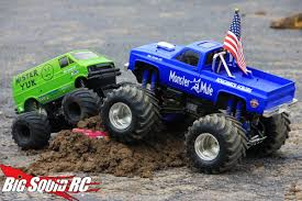 monster trucks racing in mud trigger king rc mud and monster truck series 9 big squid rc