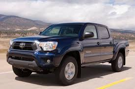 toyota tacoma autotrader 2015 chevrolet colorado vs 2015 toyota tacoma which is better