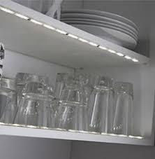 eclairage meuble de cuisine eclairage led cuisine plan de travail extension rglette fixer
