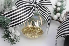 creating easy ornaments with cricut sparkleshinylove