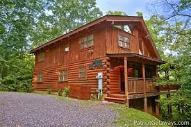 4 bedroom cabins in gatlinburg black bear magic a gatlinburg cabin rental