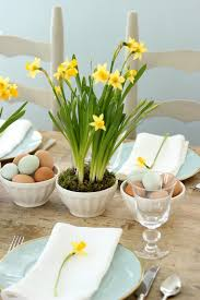 Easter Restaurant Decorations by Easter Centerpiece With Blue Eggs U0026 Daffodils Entertaining