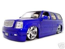 1 18 cadillac escalade escalade diecast model blue 1 18 diecast model car 63102