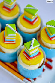 graduation cupcake ideas 30 awesome graduation party desserts oh my creative