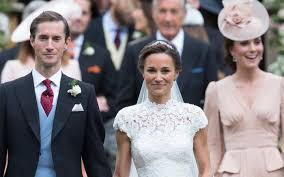 kate middleton wedding dress pippa middleton wears lace wedding dress with manolo