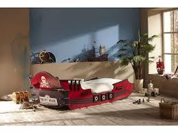 chambre bateau pirate lit bateau pirate 90x190 200 cm shark vente de lit enfant