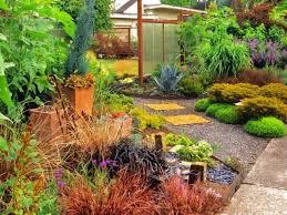 ideas for garden design to enjoy a cozy retreat in the backyard