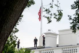 Why Are Flags At Half Mast In Florida Today White House Flag At Half Staff To Honor Tennessee Victims After