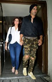 barbi benton 2017 akshay kumar and twinkle khanna spotted at pvr juhu on 27 09 2017 jpg