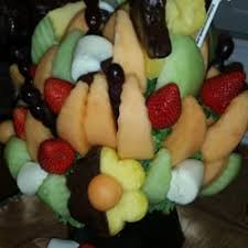 fruit arrangements nyc edible arrangements 10 photos chocolatiers shops 720 w