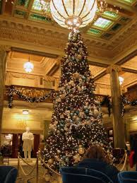 file joseph smith memorial bldg lobby xmas jpg wikimedia commons