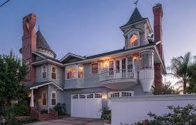 queen anne style home tour a queen anne style house in costa mesa that just sold for 1 35