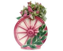 Kawaii Wagon Wheel Wall Decor 226 Best Vintage Wall Pockets Images On Pinterest Wall Pockets