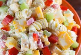 la meilleure recette de salade de pâtes crémeuse au fromage cheddar