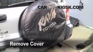 toyota rav4 spare tire fix a flat tire toyota rav4 2001 2005 2001 toyota rav4 2 0l 4
