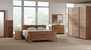 chambre à coucher bois massif chambre à coucher chêne massif tendance