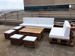 Diy Wood Pallet Outdoor Furniture by Diy Pallet Outdoor Sofa Ideas 99 Pallets