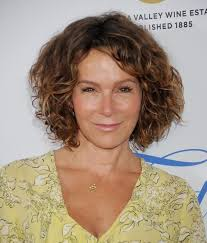hairstyles for thick grey wavy hair best 25 short curly hair styles over 50 ideas on pinterest wavy