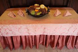 table runners how to dress decorate premier table linens