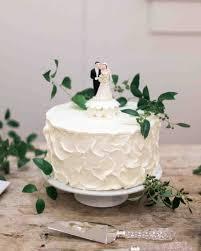 wedding cake display wedding cakes winter wedding cake display winter wedding cakes