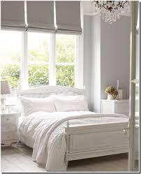 la chambre blanche chambre blanche et taupe coucher deco idee tour objet occasion la