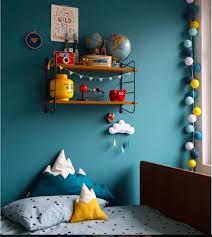 chambre jaune et bleu kinderkamer petrol geel blauw idée couleur tête de lit chambre bleu