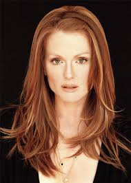 hairstyles for 54 year old suncream julianne moore 54 year old julianne moore doesn t look