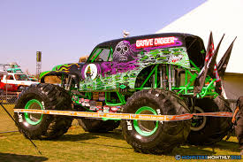 zombie monster jam truck grave digger 32 monster trucks wiki fandom powered by wikia