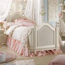Peach Color Bedroom by Vintage Bedroom Ideas With Floral Beding Set And Elegant Peach