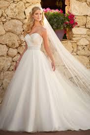 princesse robe de mariã e noble robe de mariée princesse col en cœur longueur ras du sol en