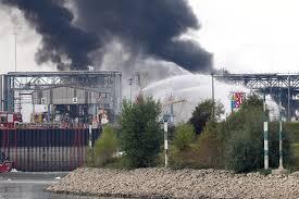 Western Union Bad Cannstatt 747610925 Explosion Basf Brand Grosseinsatz Jpg