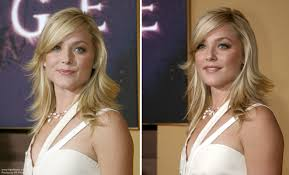elisabeth rohm modern and long hairstyle with razor cut hair