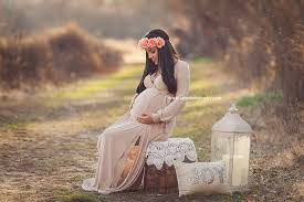maternity photo shoot ideas 15 maternity photoshoot ideas that will tug on your heartstrings