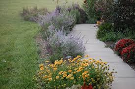 Sidewalk Garden Ideas Landscaping Ideasplans Landscape Design Tips Front Yard